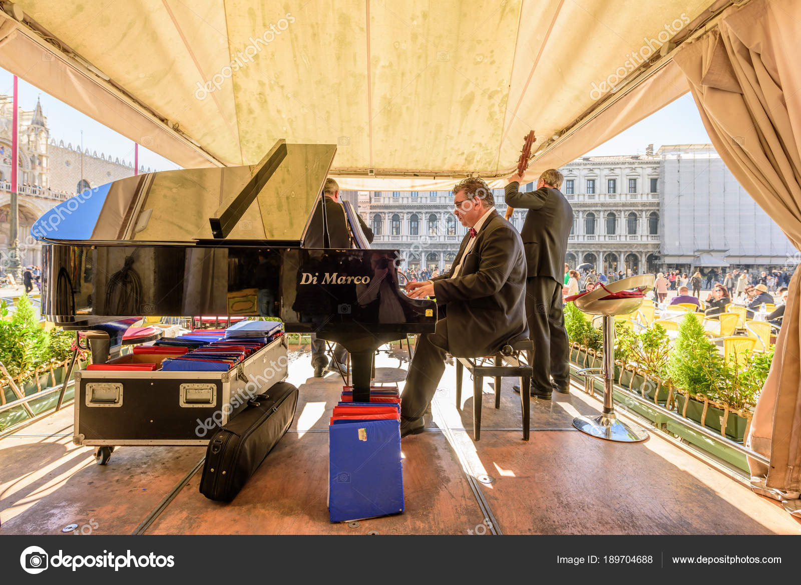 Venice Italy October 2017 Musicitions Playing Bandstand Piazza San ...