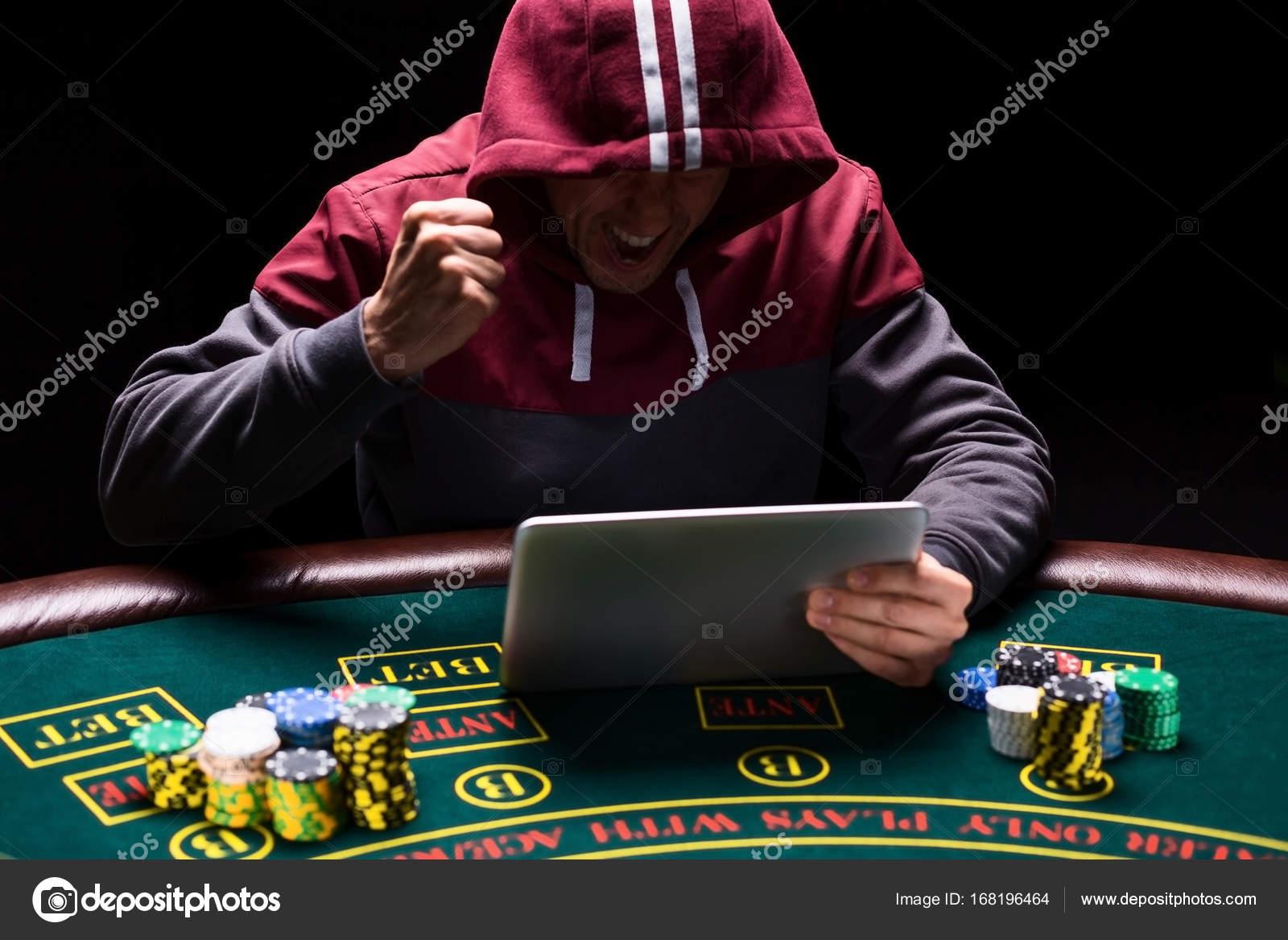 Игроки покера онлайн картина дети играют в карты