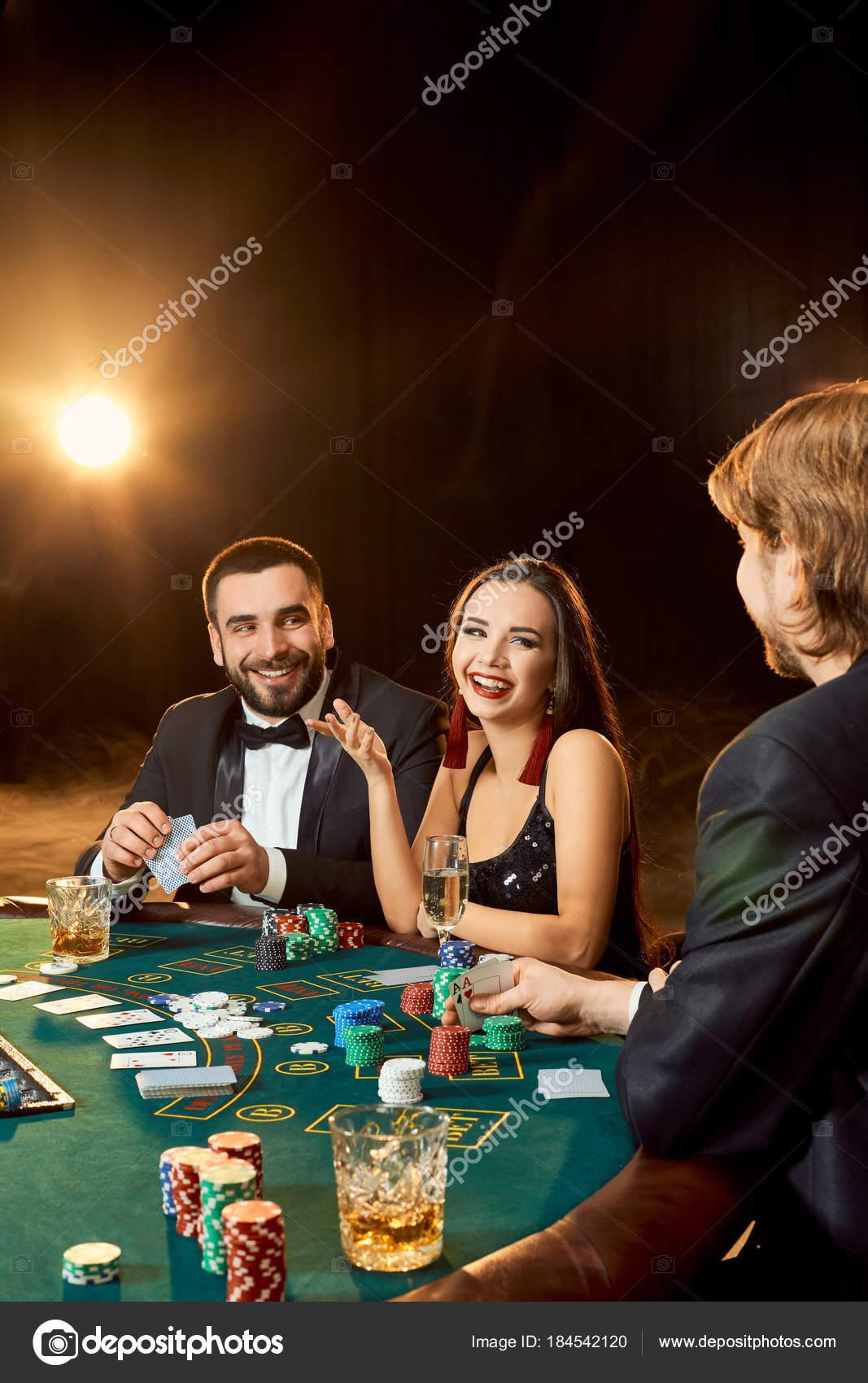 Wie spielt man poker im casino james bond casino royale length
