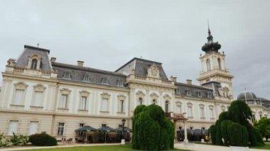 Keszthely, Magyarország, 2017. június: Kastély Festetics Magyarországon a Balaton közelében. Népszerű helyet turisták körében, az egyik a legszebb kastélyok Magyarországon