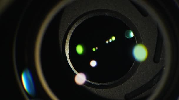 A zár mechanizmus a mirrorless fényképezőgép makró videó. Kamerák munkáját közelről