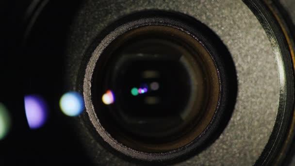 Blendenfleck auf einem professionellen Camcorder Objektiv