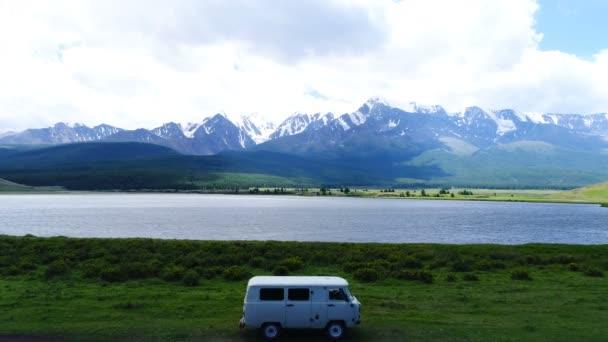 Rodinná dovolená cestování, dovolená v karavanu, letecké zpomalené 4k