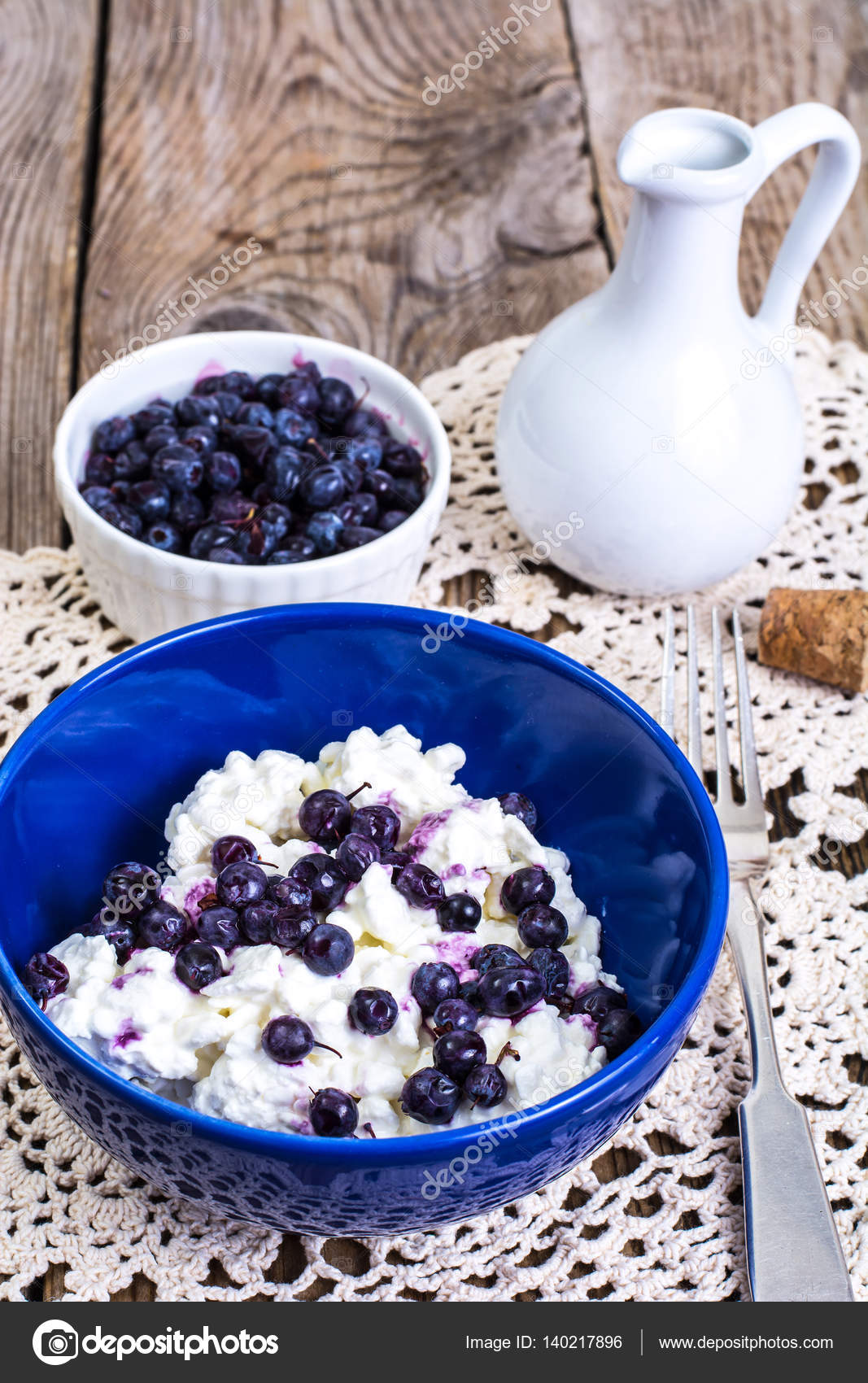 Healthy Food: Cottage Cheese With Frozen Blueberries U2014 Stock Photo