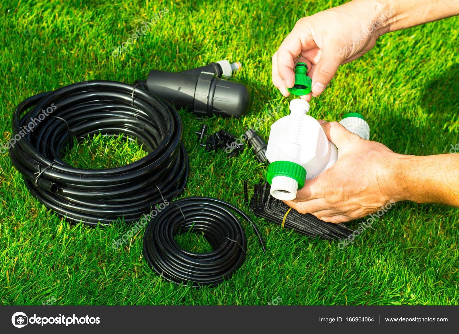 Irrigazione Per Le Piante In Letti Automatica. Foto Dello Studio U2014 Foto Di  ArtCookStudio