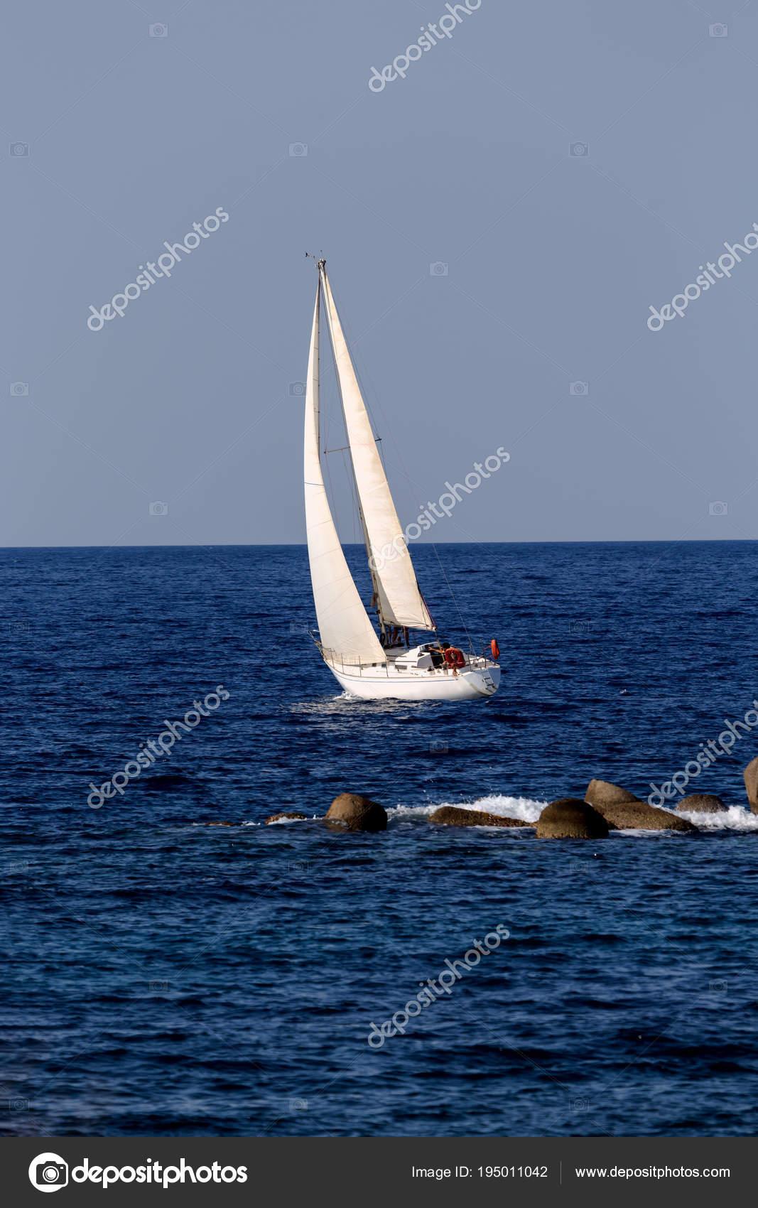 The yacht sails on the open sea — Stock Photo © Gestiafoto #195011042