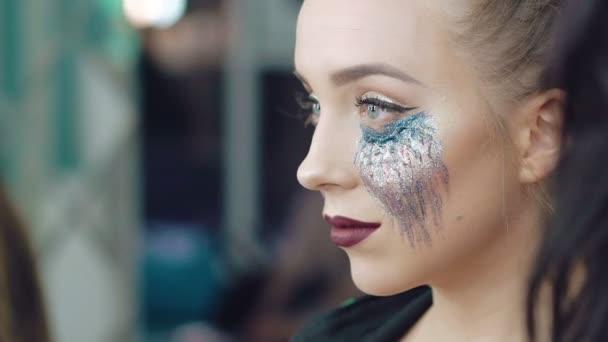Žena s Halloween make-up Studio