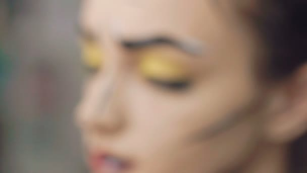 Artist make the girl halloween make up
