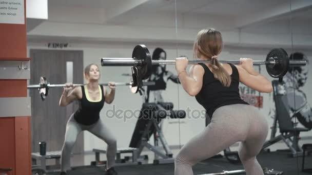 Русские девушки в тренажерном зале, фото порно секс минет сперма