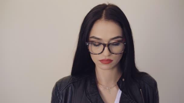 Flirten mit brille [PUNIQRANDLINE-(au-dating-names.txt) 22