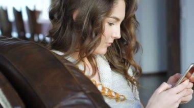 Красивые девушки видео для мобилы фото 703-592