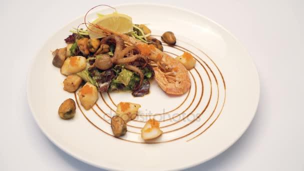 Část salát z mořských plodů 4k