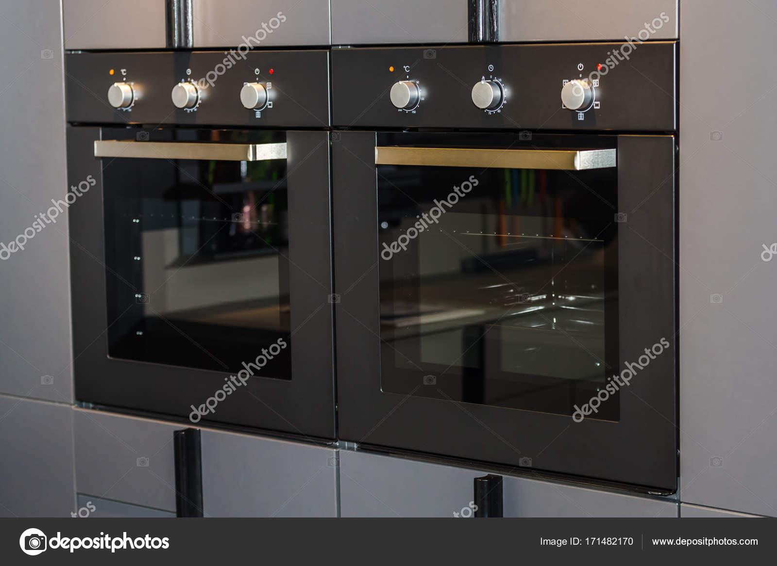 due forni a incasso — Foto Stock © AlesMunt #171482170