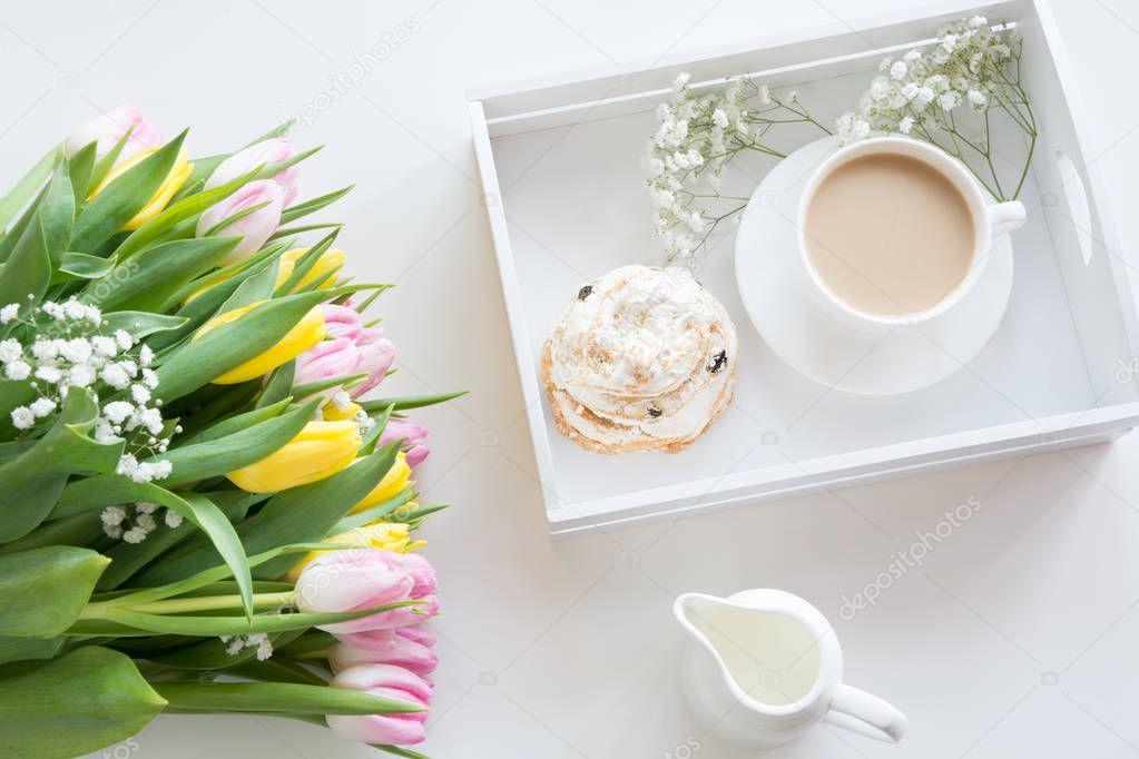 отдельно отметить, картинка весенний букет марта и завтрак столько