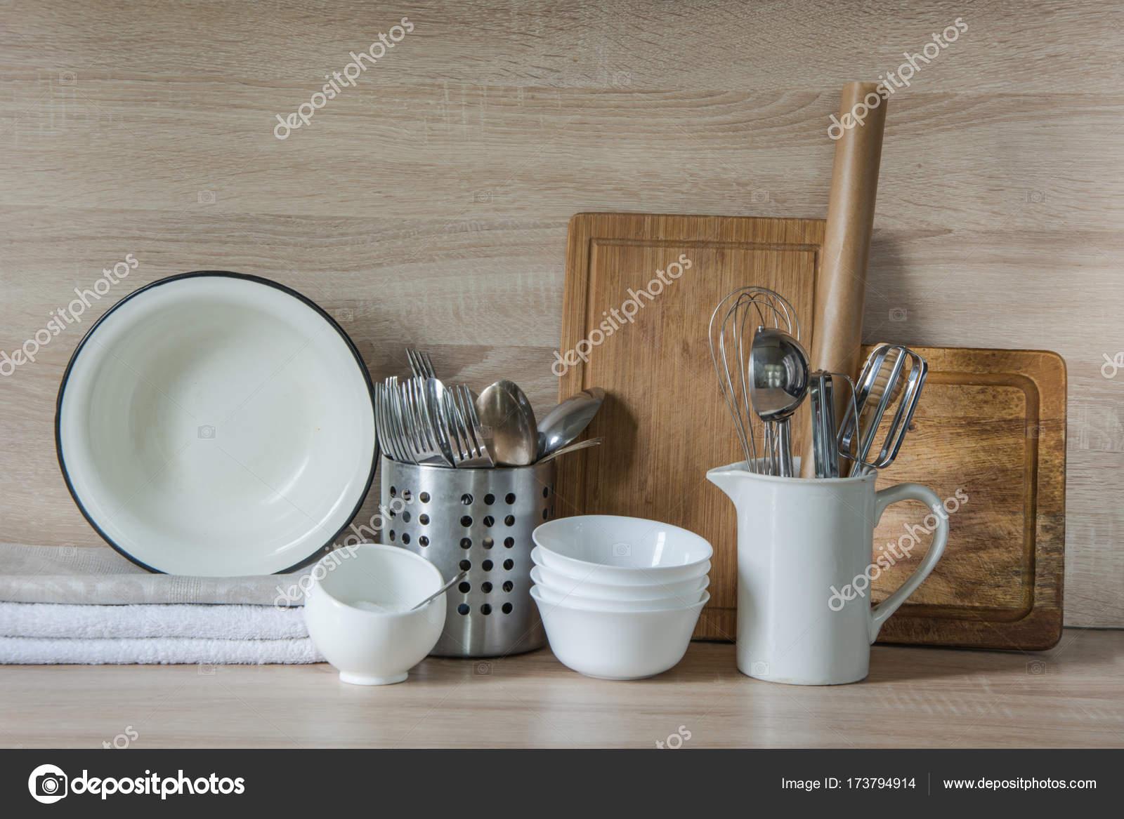 Geschirr online kaufen alles fur die kuche impressionen - Dreckiges badezimmer ...