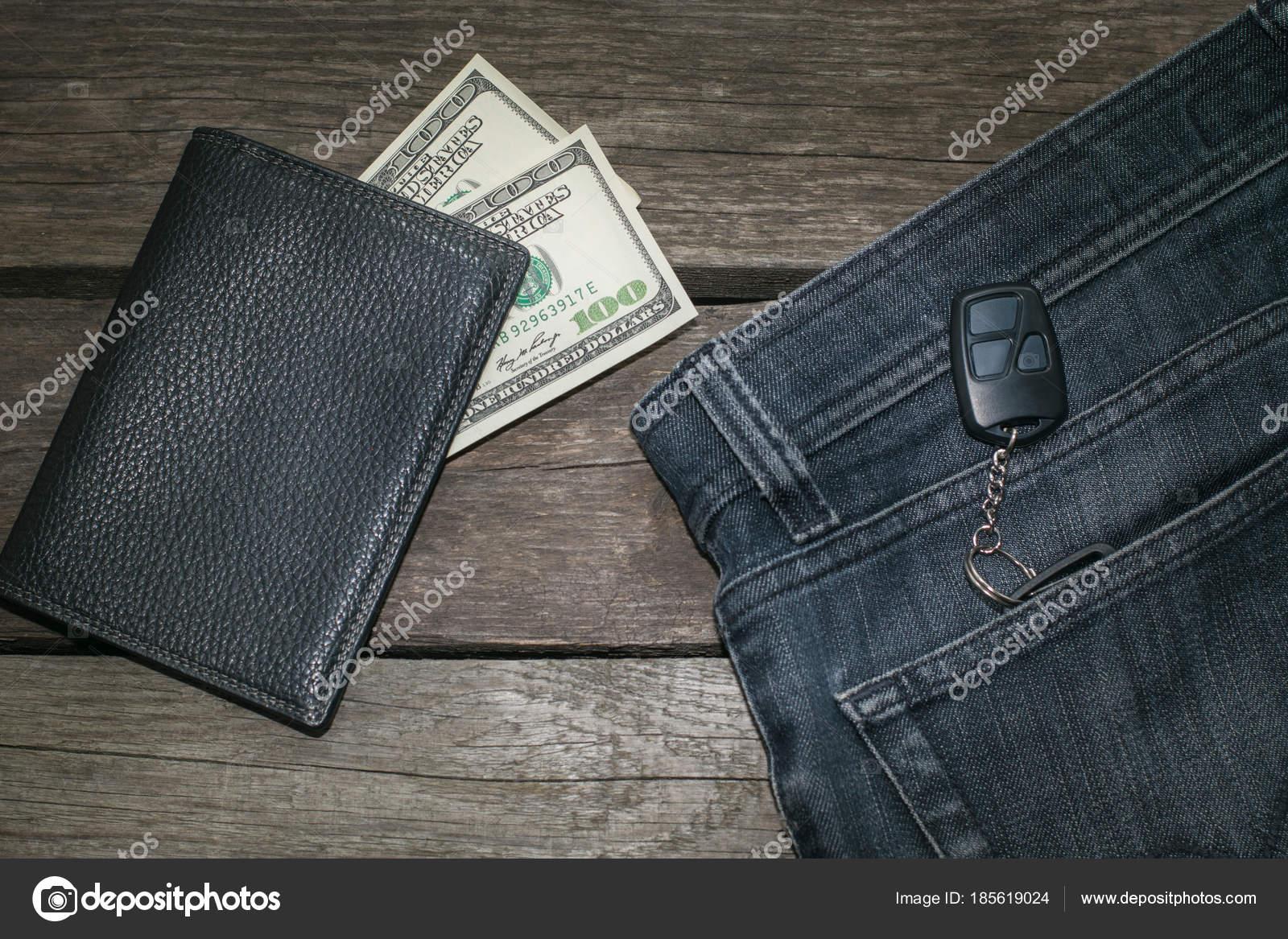 sconto in vendita prezzi economici lusso Portafoglio nero, dolla americano e chiave da auto in jeans ...