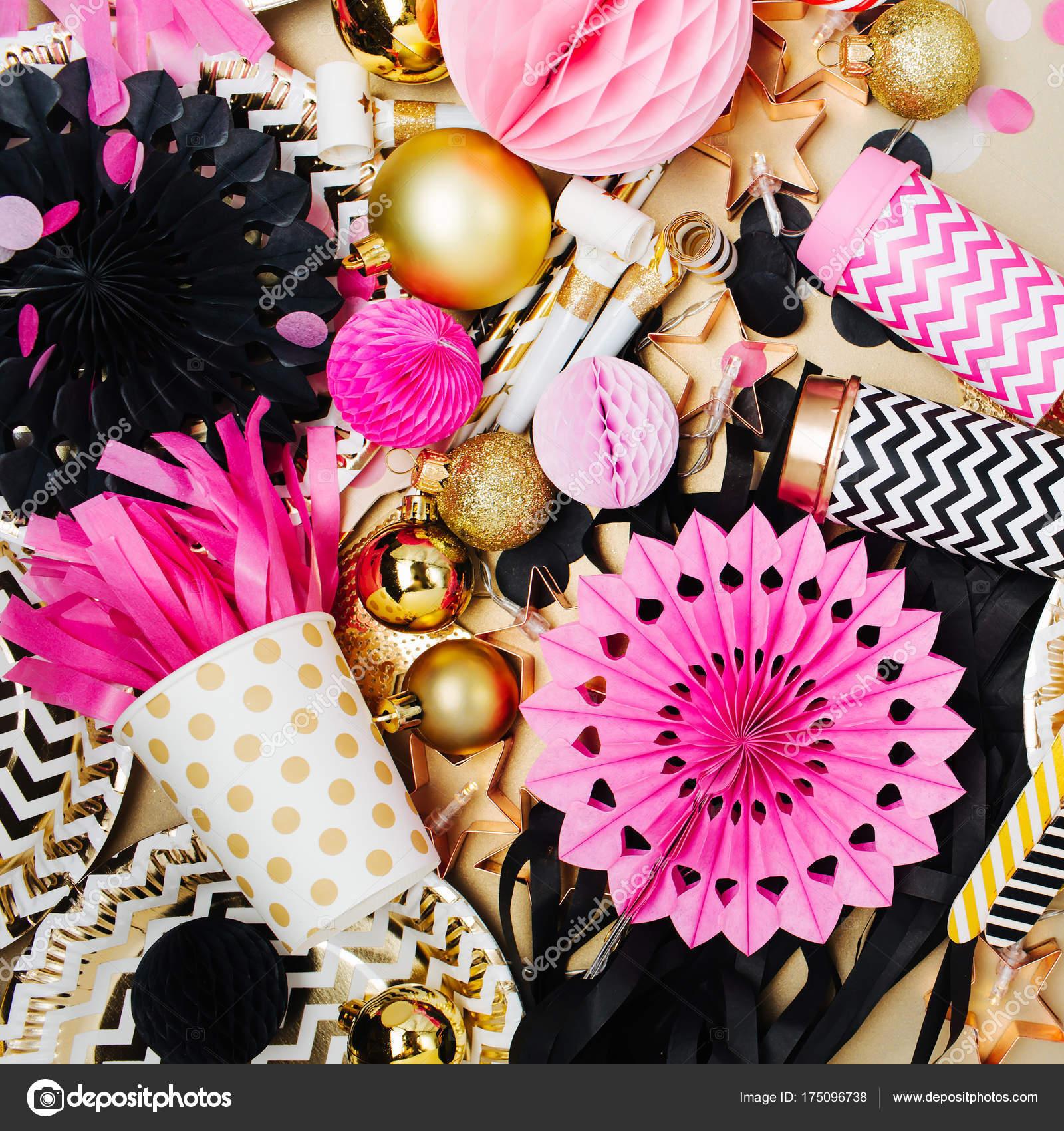 Fondo bolitas rosas fondo festiva decoraci n con bolas for Adornos navidenos 2017 trackid sp 006