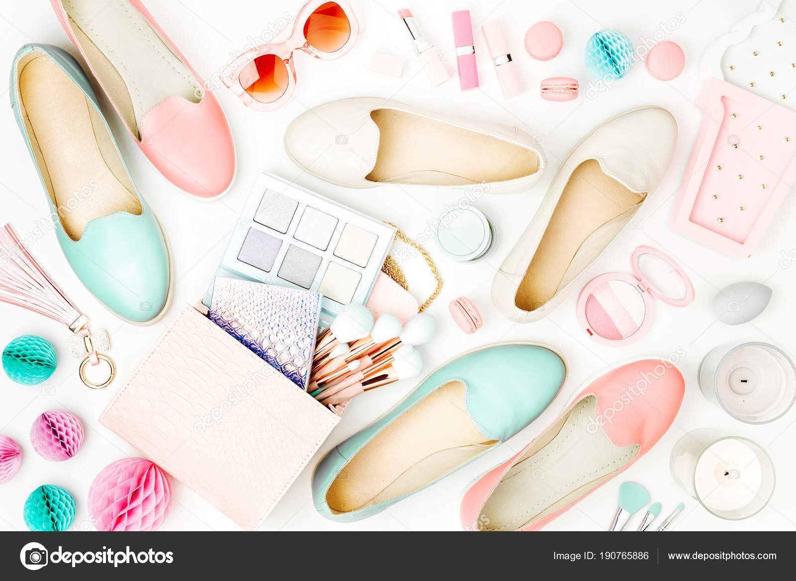 best authentic c5b00 94803 Weibliche Mode Accessoires Schuhe Make Produkte Und ...
