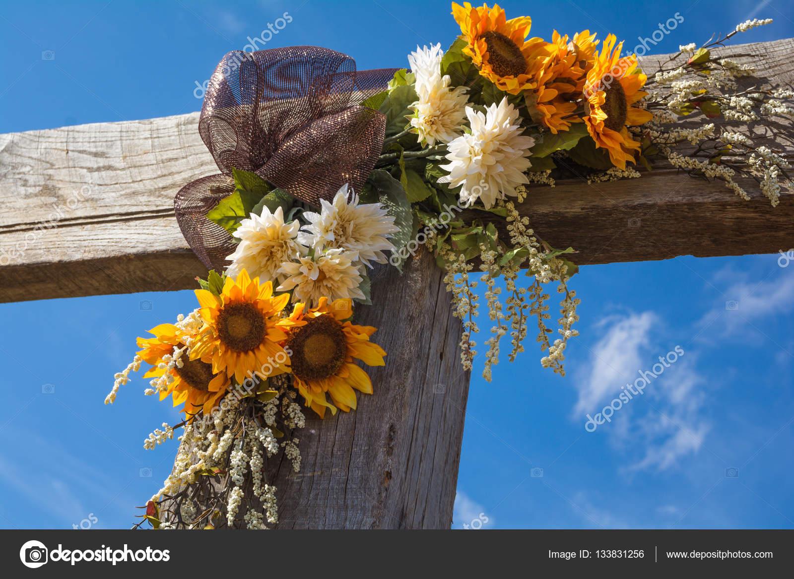 Dekoracje ślubne Upadek Słoneczników I Więcej Na Temat Płotu