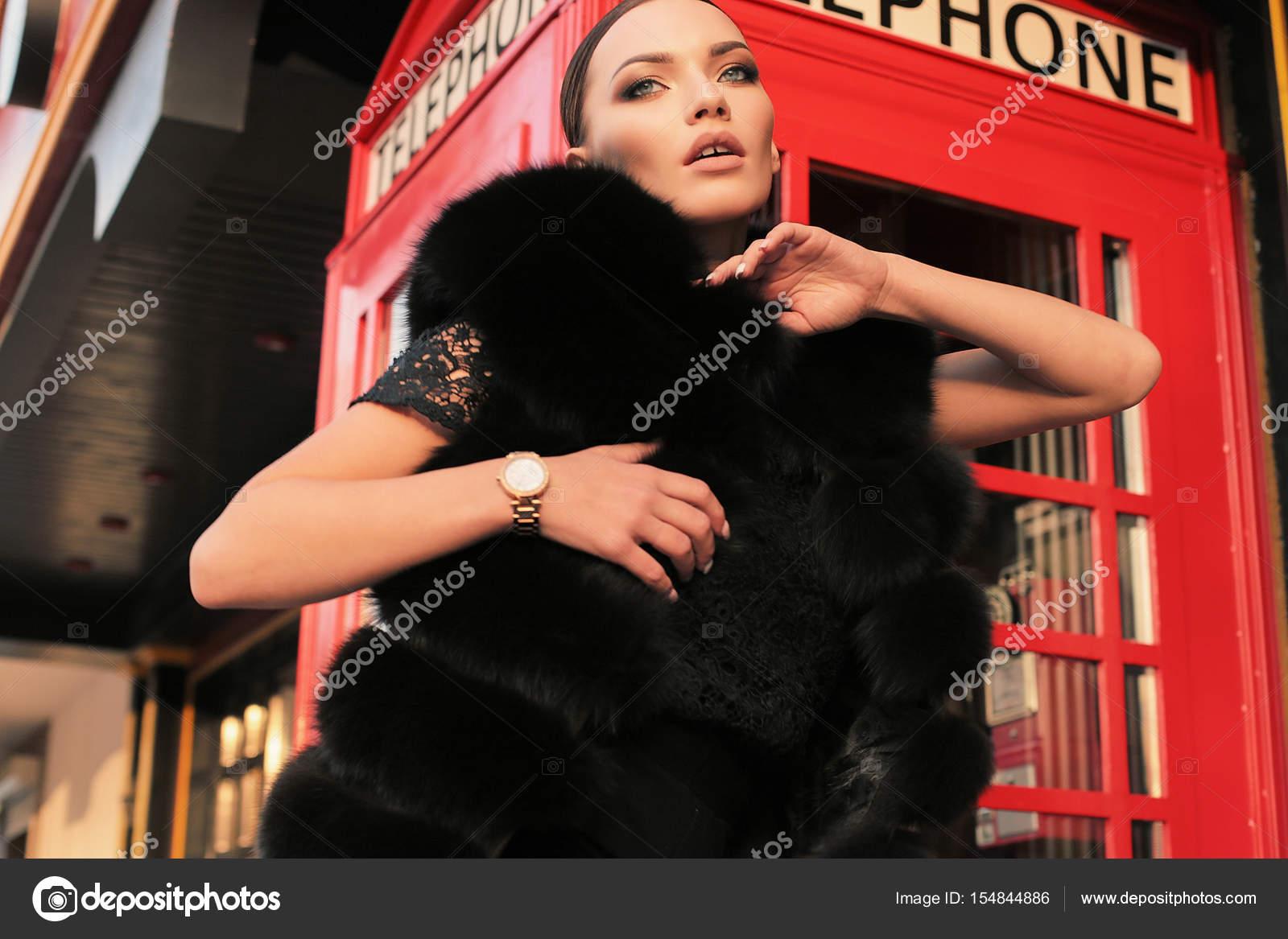 Кефиром сексуальные девушки в лондоне эротичное фото