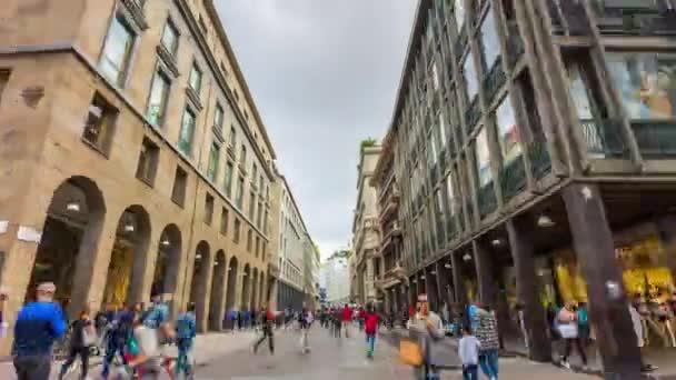 přeplněné ulice walking panorama