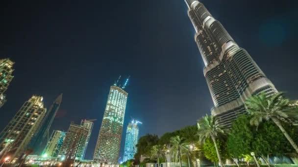 Mrakodrap Burdž Chalífa v Dubaji v noci