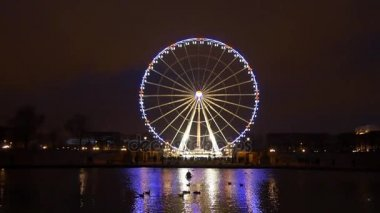 Ferris wheel on Concorde square