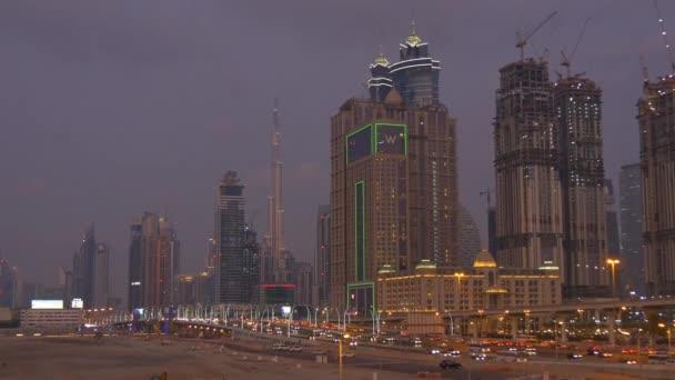 Noční provoz panorama Dubaje