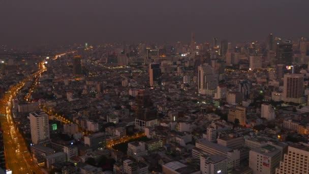 město Bangkok v noční době