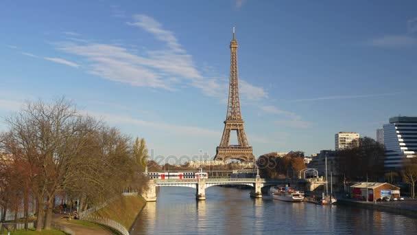 Letecký pohled na Eiffelovu věž