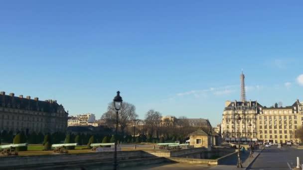 Sightseeing bus tour on Paris street