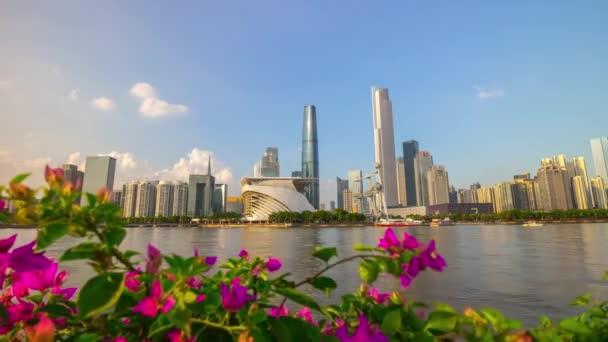 Den Guangzhou průmyslové město letecké panorama. 4k timelapse video porcelán