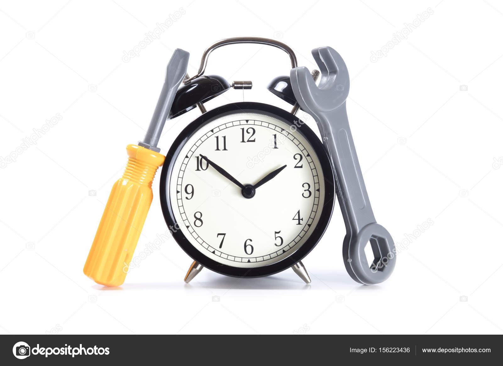 Elölnézet a klasszikus ébresztőóra műanyag játék szerszámok mint fogalom az  idő karbantartás 5474833b66