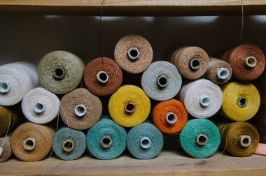 Shelves with threads