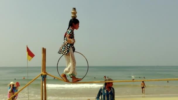 Straßenkünstler in Goa.