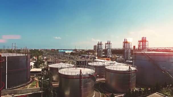 Veduta aerea della zona industriale di benzina