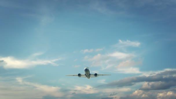 Uçak iniş Almata Kazakistan
