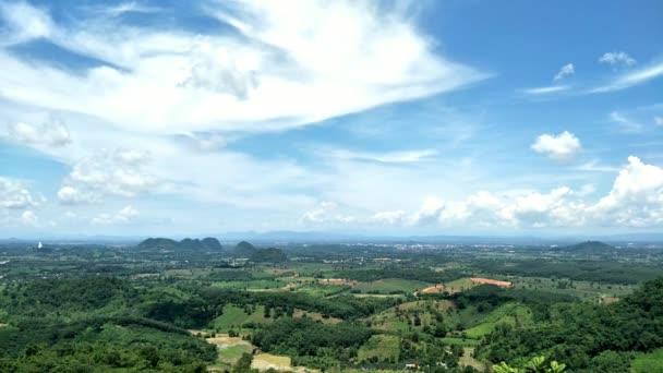 gyönyörű kilátás a hegyekre