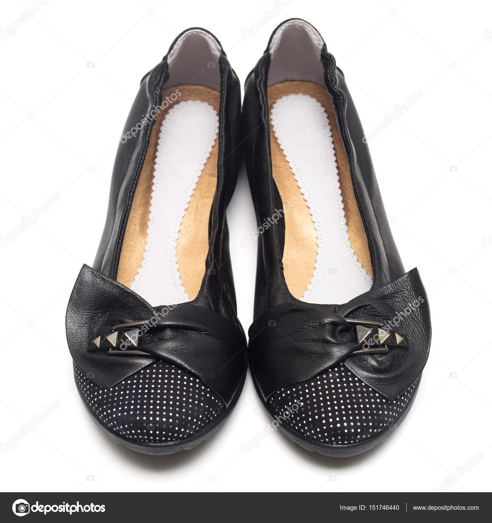 3fbfa965f61 Γυναίκες παπούτσια μπαλέτου που απομονώνονται σε λευκό φόντο. Επίπεδη lay,  κορυφαία προβολή — Εικόνα από ...