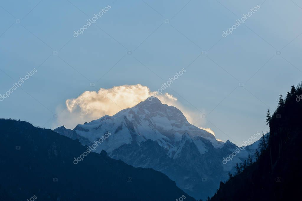 Manaslu peak, view from Chame, Annapurna Circuit