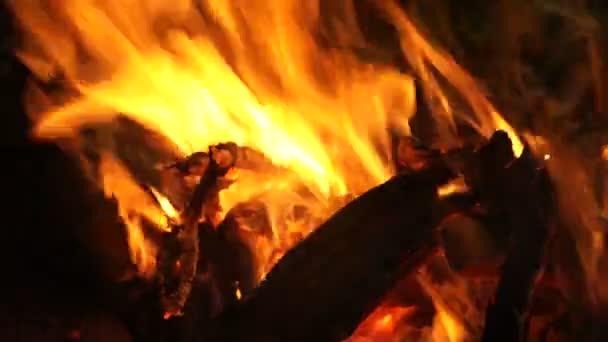 closeup plameny ohně