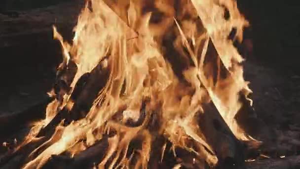 Zár-megjelöl-ból égő tűz. Háttér tűz, tűz, burning lassítva kandalló
