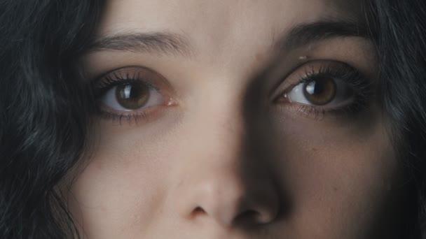 Detailní záběr velký Zenske hnědé oči