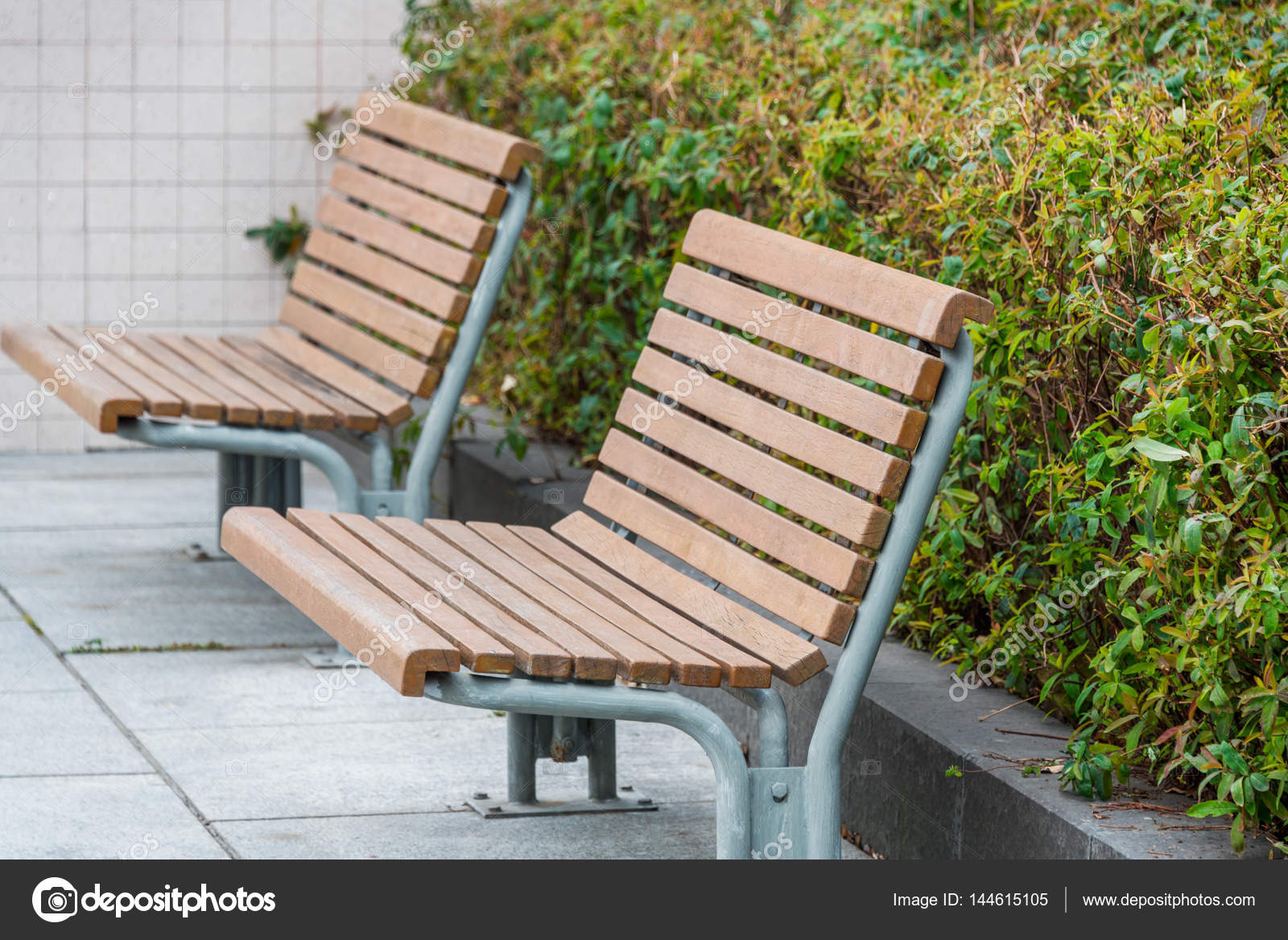 Bench In A Park On Sunny Day Stock Photo C Fanjianhua 144615105