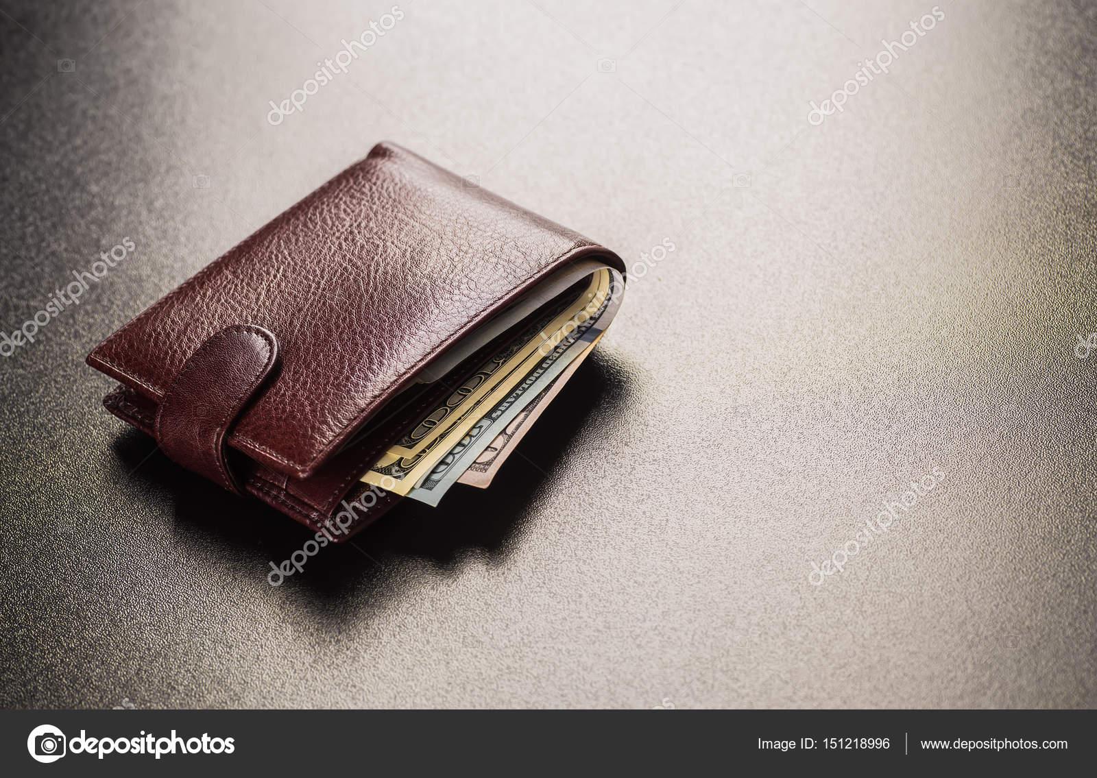 adatto a uomini/donne sentirsi a proprio agio più economico Soldi di portafoglio da uomo in contanti — Foto Stock ...