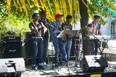 African blues rock band performance