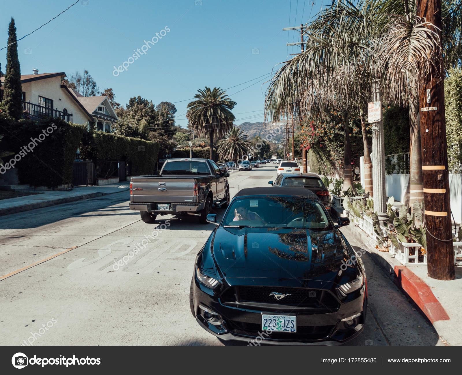 Ford Mustang Gt zaparkowany na Hollywood boulevard Zdjęcie