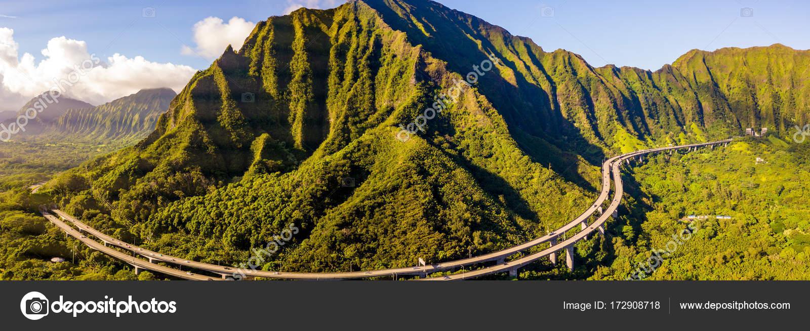 Gorgeous Aerial View Oahu Green Mountains View Omaluhia Botanical ...