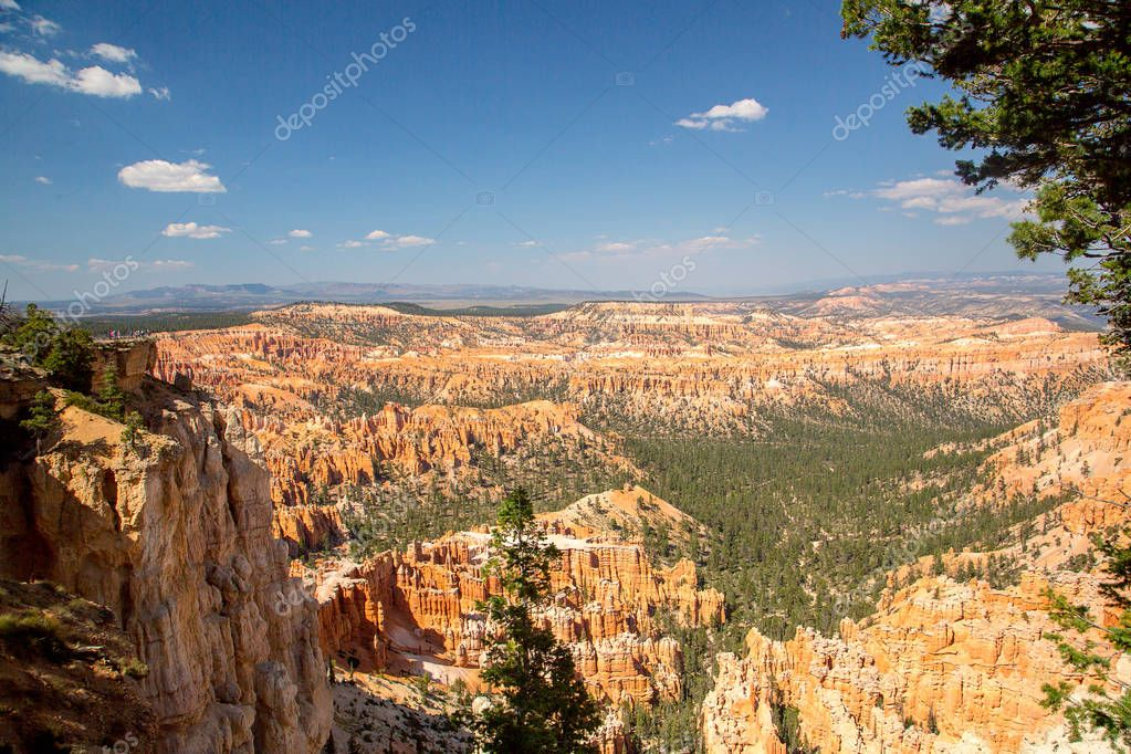 Bryce Canyon Panorama - Sunset Point, Bryce Canyon National Park, Utah, USA.