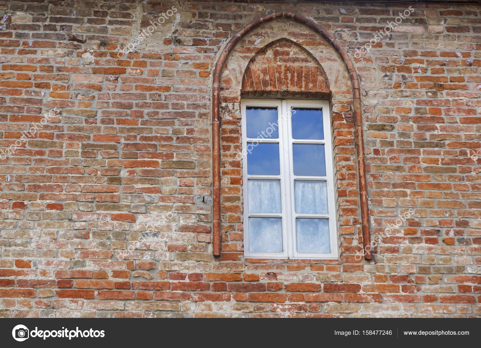 Finestra Del Castello In Stile Medievale Doppia Finestra Ad Arco Su